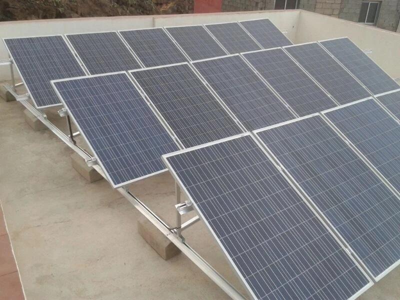 Tenerife. Potencia Instalada 4500 WH Potencia de Producción 8000 W Acumulación 600 AH.